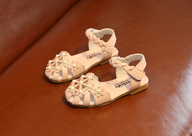 2018 New Summer Children Sandals for Girls PU Leather Floral Hollow Princess Shoes Closed Toe Toddler Kids Girls Sandals