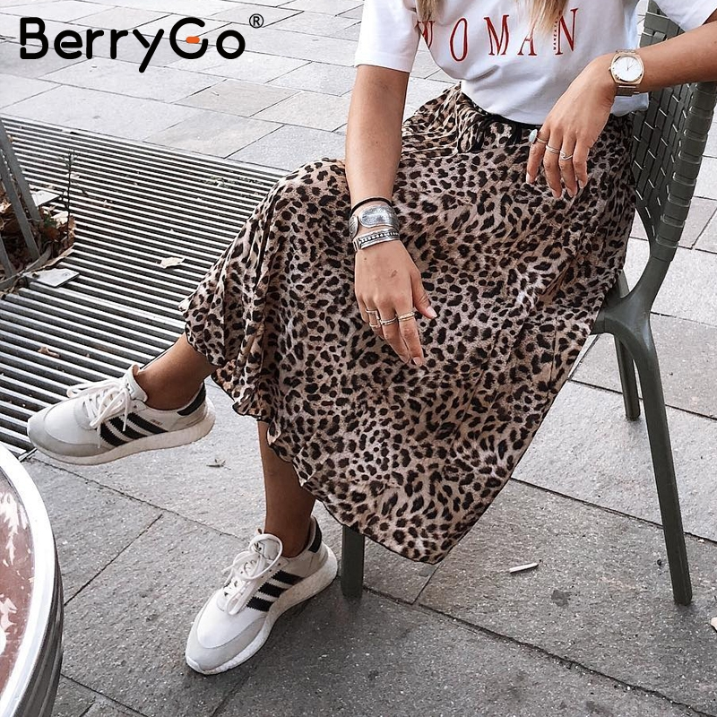 BerryGo Vintage Leopard Print Midi Skirt Women Punk Korean Skirt Fashion 2018 Sexy High Waist Ladies Pleated Retro Autumn Skirts
