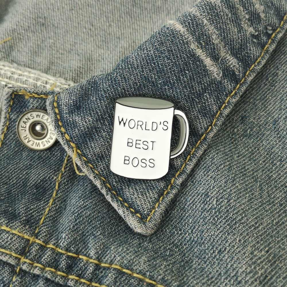Terbaik Dunia Bos Abjad Mug Cangkir Enamel Bros Lencana Kerah Pin Bros Wanita Pria Perhiasan Aksesoris untuk Hadiah