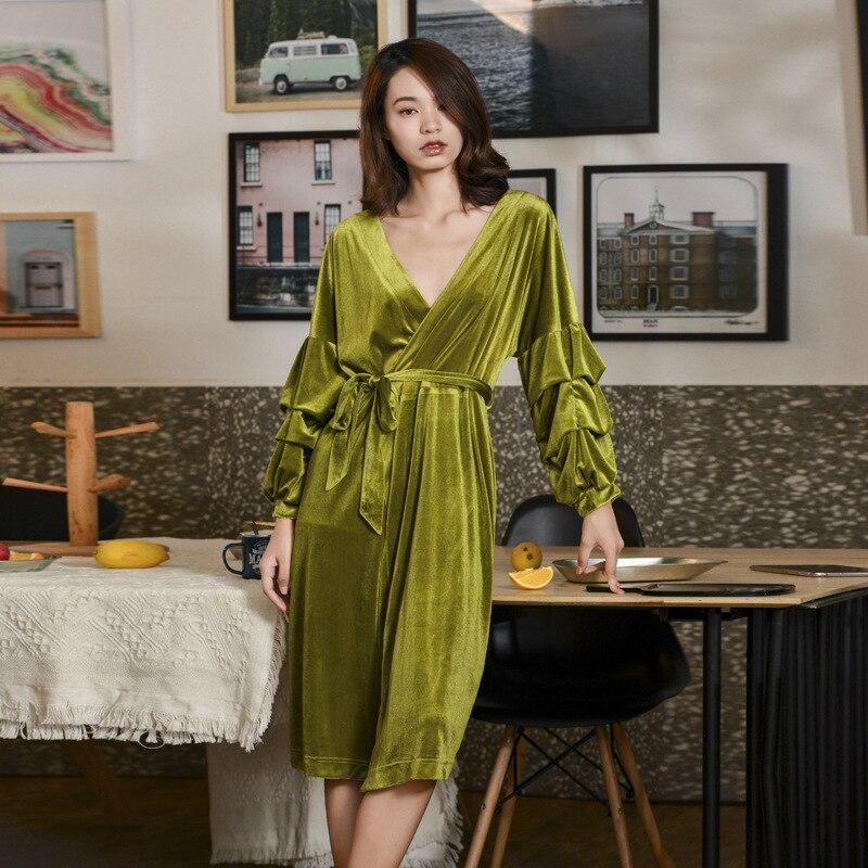 2019 New Autumn Winter Women's Retro Robes Gold Velvet Lantern Sleeve Bathrobe Pajamas Homewear Velour Night Robe MA50183