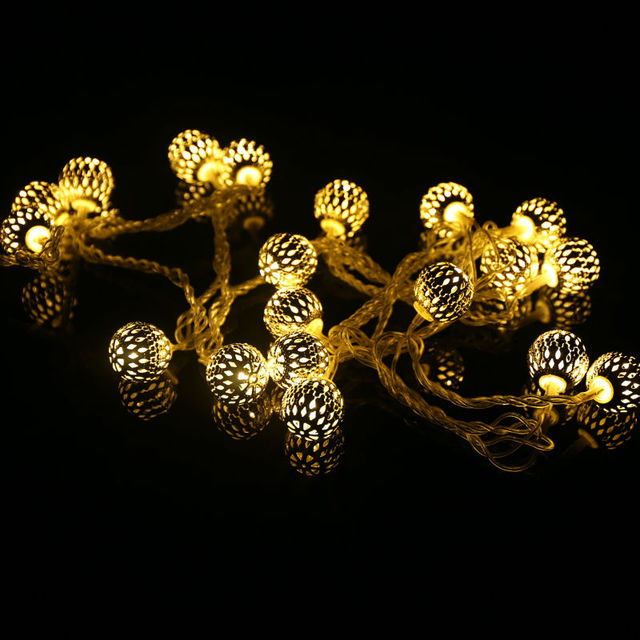 https://ae01.alicdn.com/kf/HTB1S33KMpXXXXXPXXXXq6xXFXXXS/Warm-Wit-20-Ballen-Marokkaanse-String-Guirlande-Verlichting-AC110V-220-V-LED-Fairy-Kerst-Bruiloft-Woondecoratie.jpg_640x640.jpg
