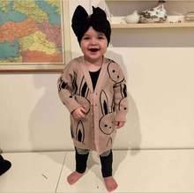 Muchacha al por menor 2018 muchachas del otoño moda nuevo v cuello conejo  imprimir cardigan bebé 5cfb822c12ca