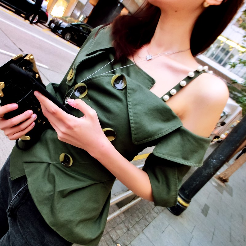2018 Women Sexy Strape Party Club Shirt Fashion Military Green Off the Shoulder Pleated Blouse Short Ruffle Casual Work Top
