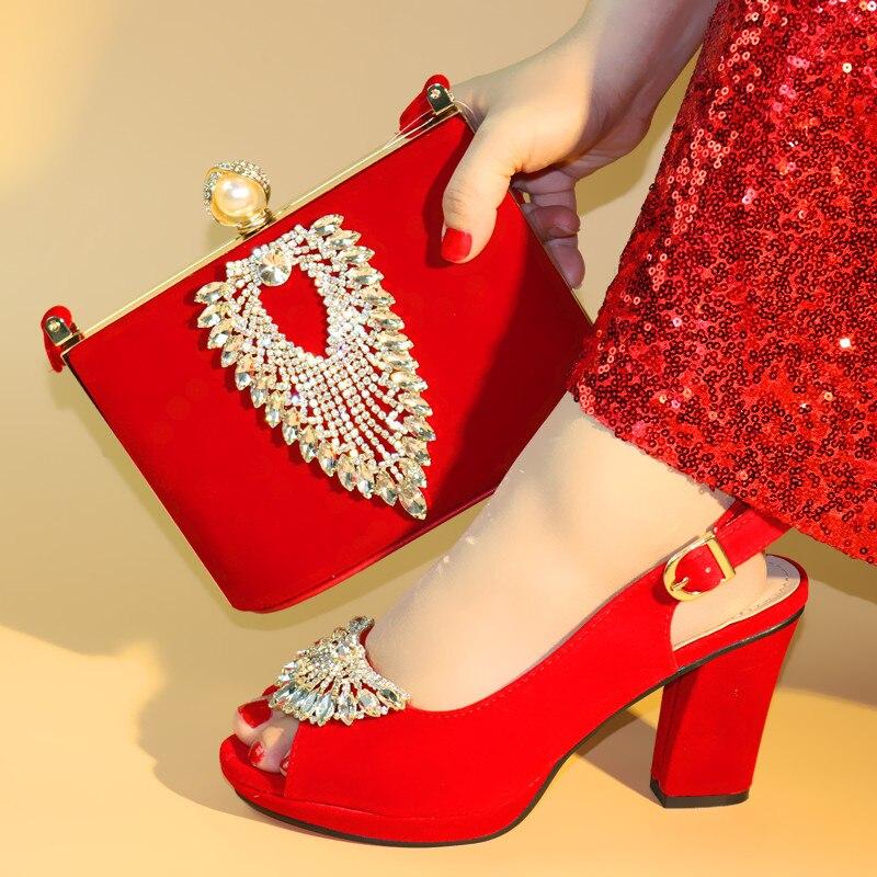Włoskie damskie czerwony kolor buty i sprzęgła torba zestaw wysokiej jakości kobiet buty i torby, aby dopasować na wesele c96 15 w Buty damskie na słupku od Buty na  Grupa 1