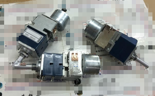 1pcs/lot Japan ALPS RK27 double motor potentiometer A10K handle 25MMF 6 feet1pcs/lot Japan ALPS RK27 double motor potentiometer A10K handle 25MMF 6 feet
