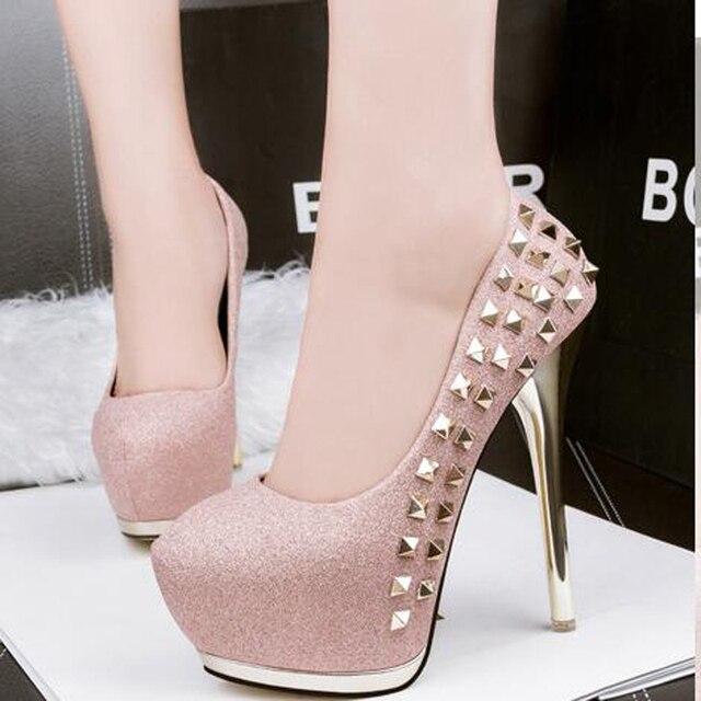 Сексуальные розовые туфли