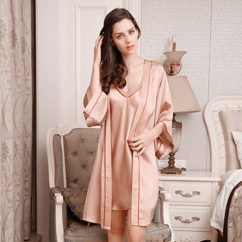 10d1bd81a Nova Chegada do Verão Sexy Vestidos Estilo Feminino de Duas Peças Pijamas  de Seda Roupões Camisola