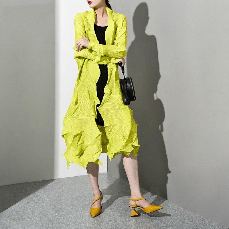 LANMREM 2019 New Spring Summer V-collar Long Sleeve Black Pleated Split Loose Long Big SizeWindbreaker Women   Trench   Fashion WG53