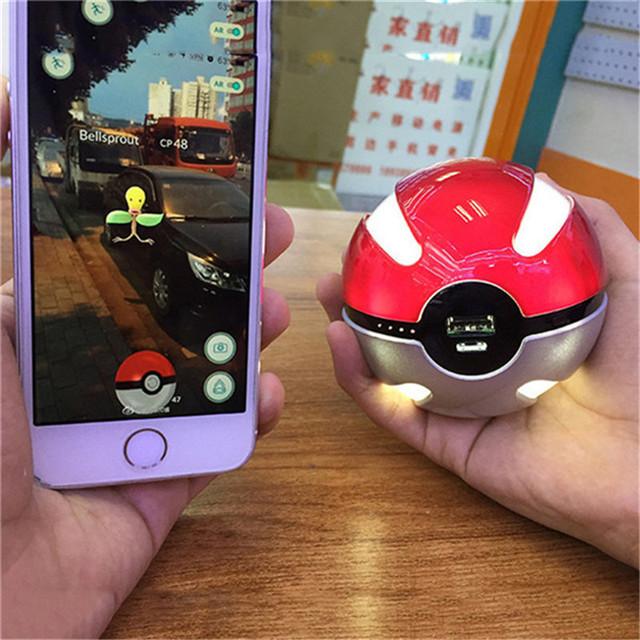 Divertido pokeball pokemongo 10000 mah cargador power bank para iphone para samsung batería externa con luz led para todos los teléfono