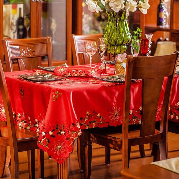 Νέα Ζεστό Πώληση Χριστουγεννιάτικα Κέντημα Σατέν Τραπεζομάντιλο Κόκκινο Στερεό Χρώμα Πλήρες Κεντημένο Χριστουγεννιάτικο Τραπεζομάντιλο Τραπεζομάντιλο Επικάλυψη Εξώφυλλο