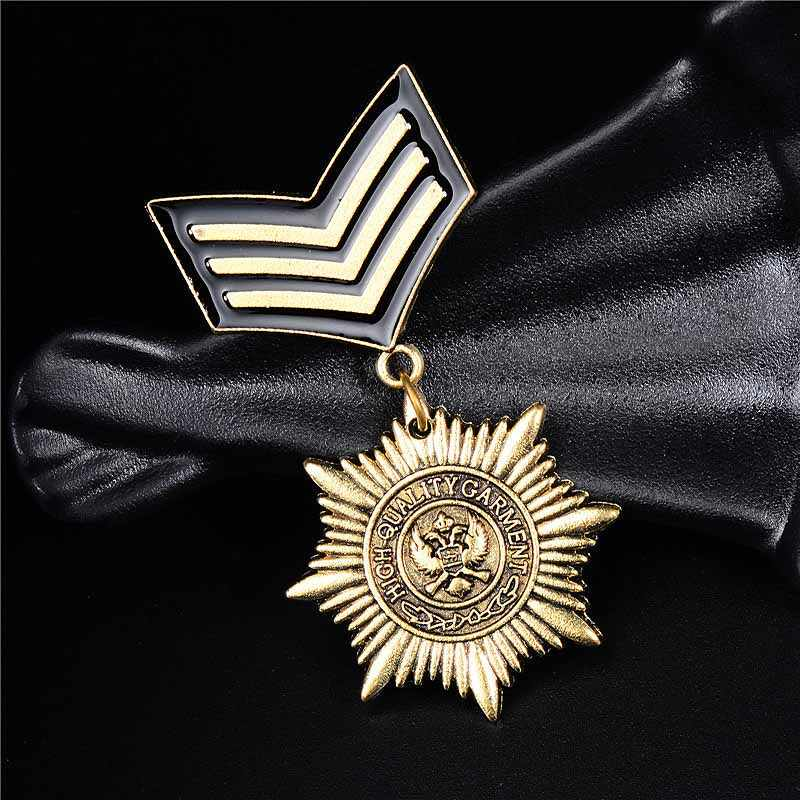 H HYDE Vintage Men Women Clothes Jewelry locomotive Star Badge Brooches  Men s Suits Accessories 359ddb657626