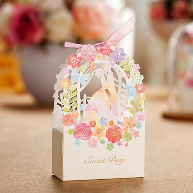 50pcs Sweet Wedding Favors And Gifts Box Flower Laser Elegant Luxury Decoration Party Event Supplies Paper Candy Bag For Guests