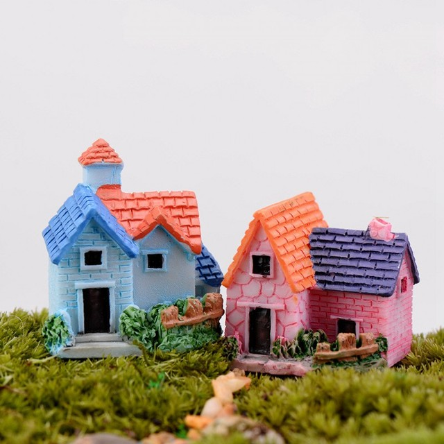 2pcs Europe Country House Figurines Miniatures Villa Micro Landscape