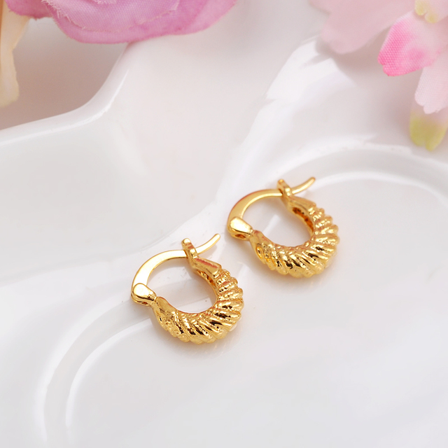2pairsBaby Girls Small Round Circles Huggies Hoop Earrings Gold