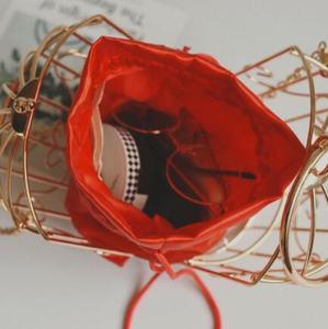 Image 5 - נשים של כלוב ציפורים ערב תיק מצמד מתכת מסגרת רקמת דלי ציפור כלוב מיני תיק ארנק נשים זהב טאסל תיק