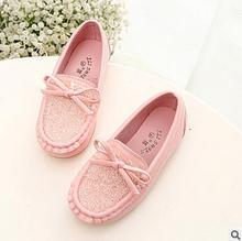 Meninas de Couro Sapatos de Desporto de primavera E Outono Crianças Sapatos Mocassins Feminino Princesa Strass Arco Bebê Único Sapatilhas Crianças Botas
