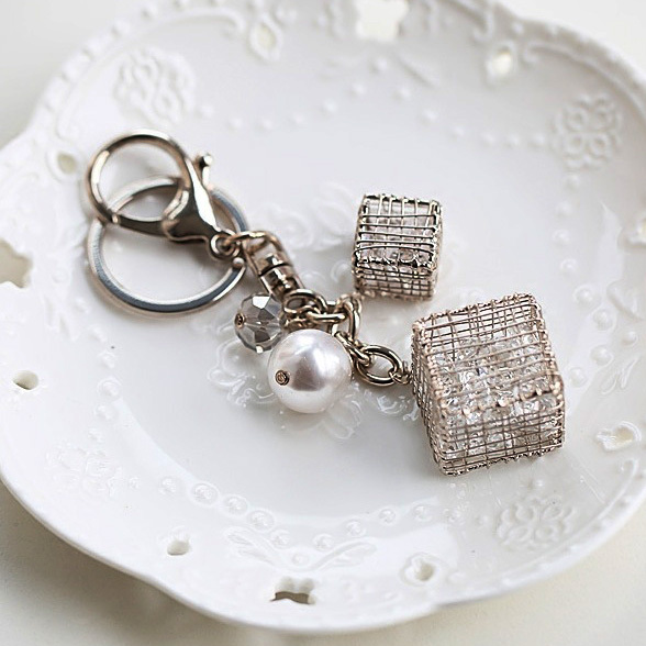 High Quality Big Cube Crystals Charm Pearl Key Chain Women Handbag Zipper For Girl Lover Gift Jewelry