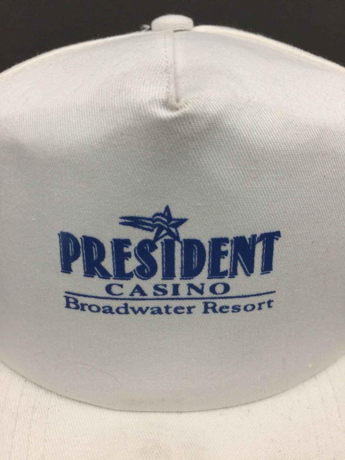 Gorra de béisbol blanca con logotipo Snapback de Presidente Casino