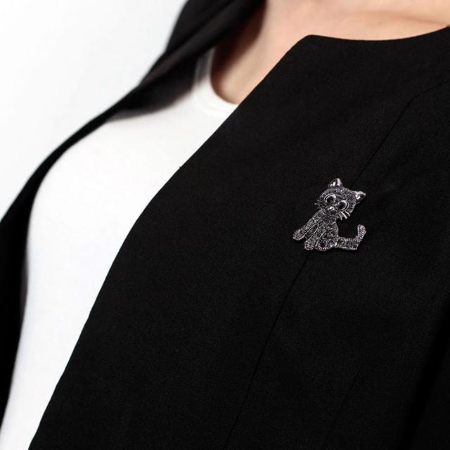 Vintage Black Crystal Cute Cat Brooch Pins 28*31*3mm Women Brooch 2018 Fashion Pin up Brooch Accessories Cat Brooch