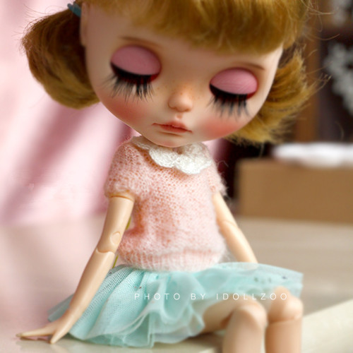 Doll clothes mohair coat 4 colors with white collar for Azone Momoko DAL JerryBerry Pullip Blyth Doll sweaters doll Accessories кукла an gaga hand white angel set blythe yosd pullip dal