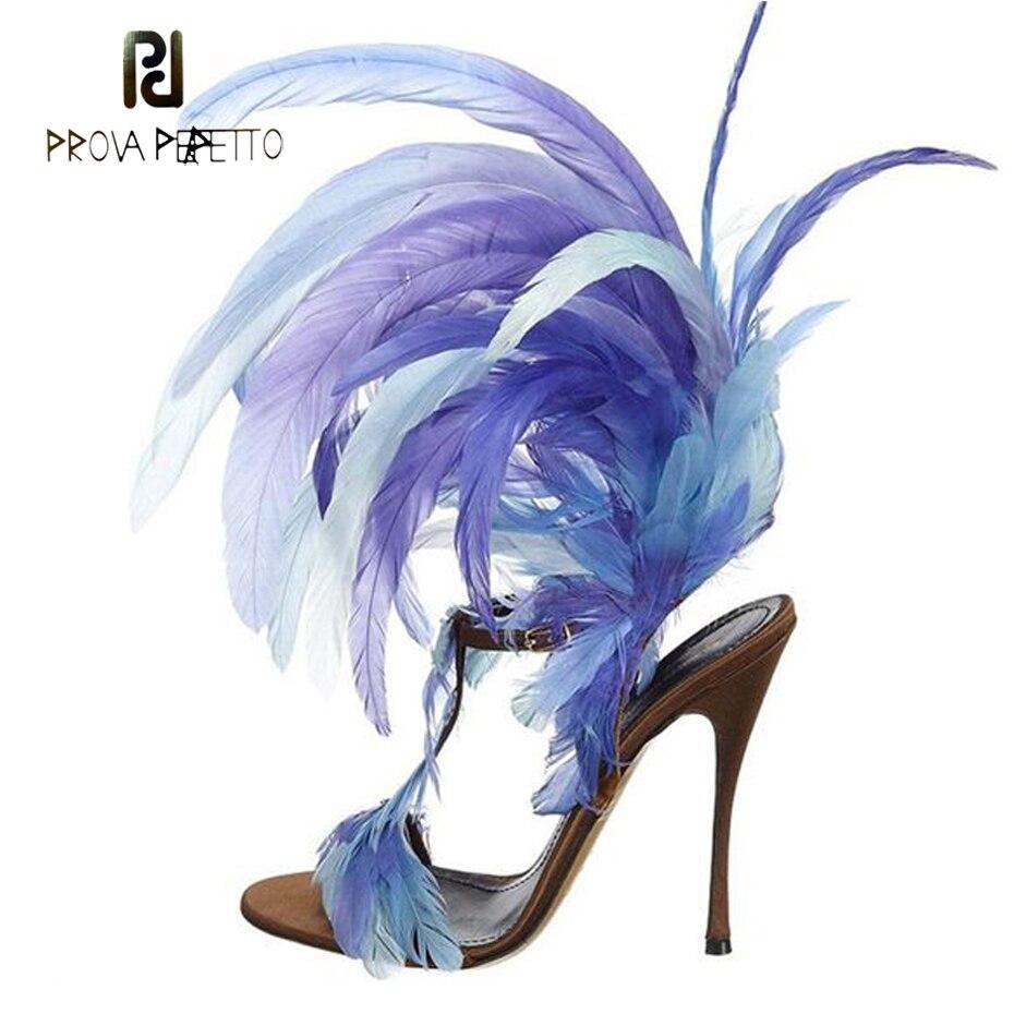 Prova Perfetto 2018 nouveau design plume gladiateur sandales femmes t sangle boucle bout ouvert mince talon haut parti chaussures de piste femmes