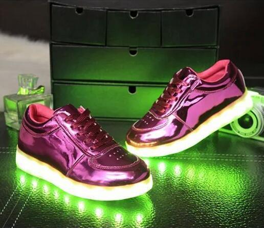 Детская обувь с загораются кроссовки для детей USB зарядка подошвой световой кроссовки из светодиодов обувь девушки парни корзины из светодиодов обувь