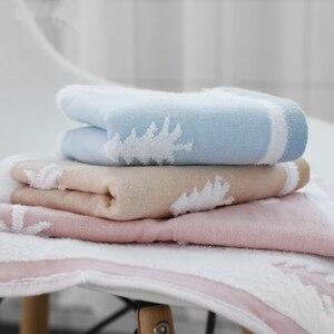 Image 3 - 25x50cm 100% toalha de algodão árvore de natal cervos padrão chlid rosto do bebê mão toalha de natal toque macio rápido seco toalha