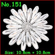 1 Pcs/Lot Shiny White Gold Flower Motif Rhinestones Hot Fix Iron on Crystal Patch For Women Wedding Dress Clothes DIY Garment