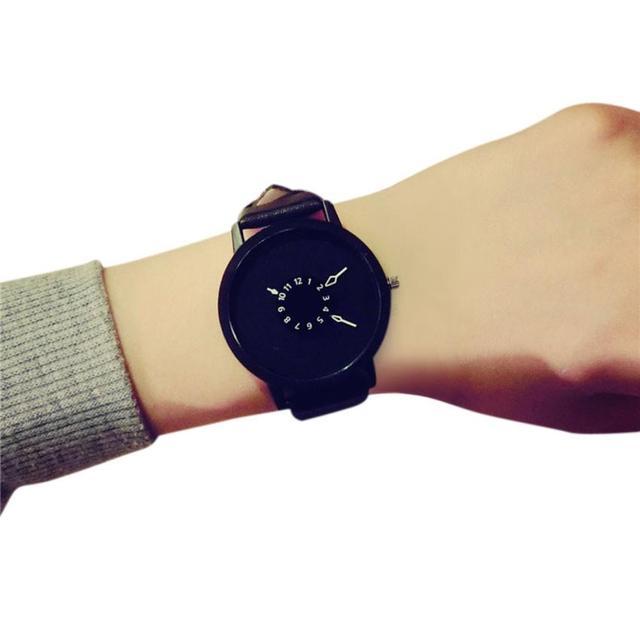 Quartz Wristwatches Montre Femme Fashion Casual Creative Watches Women Leather B