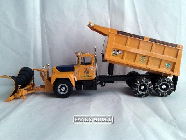 First Gear 3558 134 Scale New York State R MODEL Mack Dump