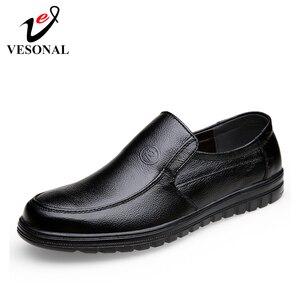 Image 1 - VESONAL 2019 קיץ נוח להחליק על עור אמיתיות גברים נעלי מוקסינים משרד עסקים שמלת פורמליות זכר נעליים