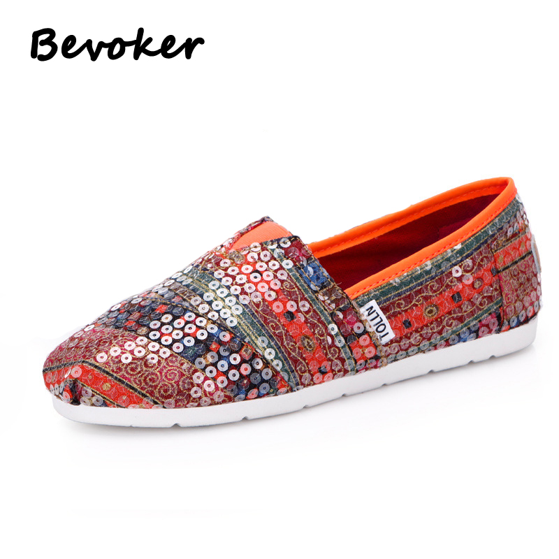ФОТО Bevoker Women Casual Shoes Flat Canvas Shoes Female Comfortable Breathable Shoes Women Flat Slip-on Shoes with Print Size35-40