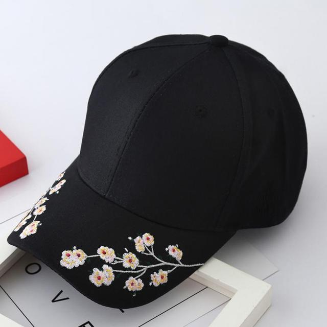 a83a2fccf64 2018 Fashionable Embroidery Summer Caps Men Women Plum Blossom Flower  Embroidery Baseball Cap Adjustable Hats