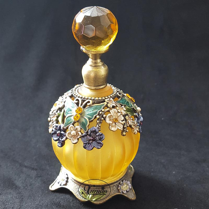 30ml Perfume Essential Oil Vintage Empty Refillable Bottle Graven Metal Golden Flower Glass Container Gift Home Decoration#70281 2pcslot 15ml cc hollow out copper color middle east essential bottle for oils perfume empty glass bottle for wedding decor
