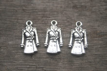 20 pcs-- Coat Charms,Antique Silver 3D Mini Clothings Overcoats Coats Windbreakers Charms Pendants 23x12mm(China)