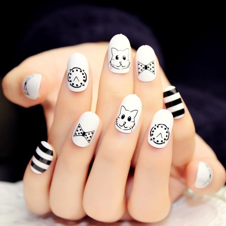 faux ongles avec dessin
