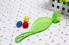 1PC  Rice Washing Drainer Fruit Vegetable Grain Debris Filter Kitchen Gadget Clean Rice Machine Stick Wash Rice Manual KX 316