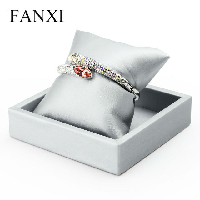 FANXI Free Shipping Elegant Silver PU Leather Bangle Bracelet Exhibitor Holder Pillow Tray Watch Jewelry Display Stand Showcase
