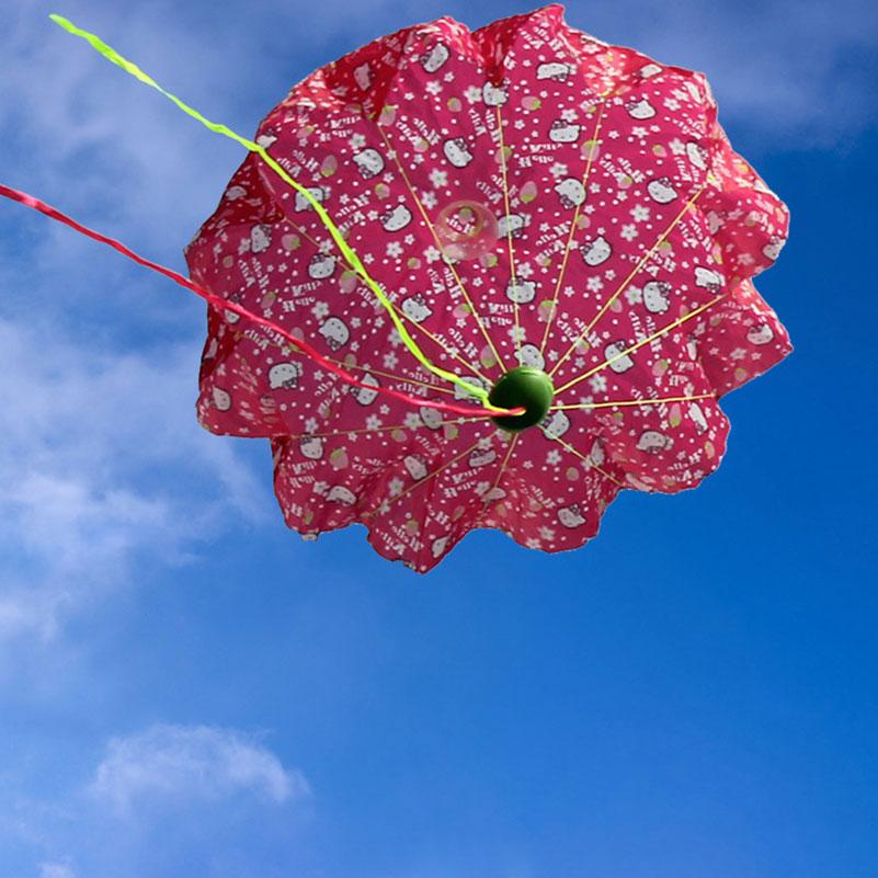 New Hand Throwing Parachutes Kite With LED Light Mini Outdoors Play Flash Parachute Toy Educational Children Toys Kites