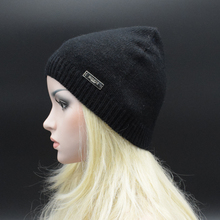 2017 New Solid Adult Women Casual wool Beanie Lady Knitted cap female Beanies fashion skullies casual caps Warm wool hat