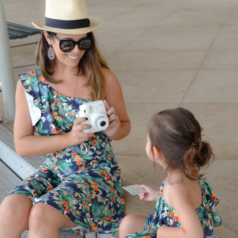 Family Look Matching Mother And Daughter Dresses Shoulder off Sleeve Beach Mommy And Me Clothes Swimsuits Outifits Mom Kids Girl (11)
