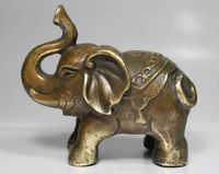 NICE CHINESE OLD Manual hammer brass Chinese auspicious peace elephant statue Garden Decoration Brass brass