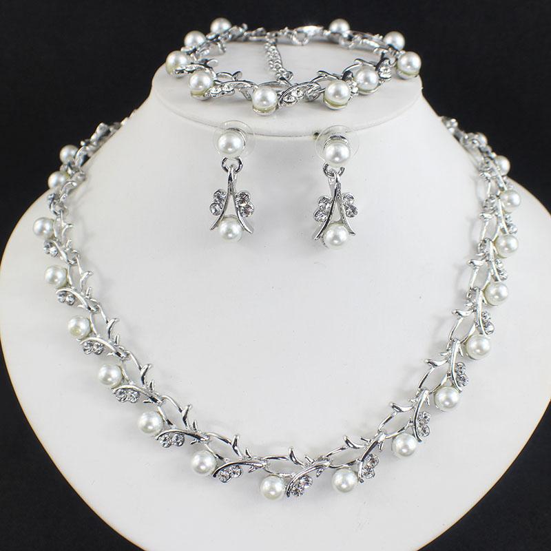 HTB1S8CFSFXXXXbhXFXXq6xXFXXXO Luxurious Pearl And Crystal Wedding Party Jewelry Set - 5 Colors