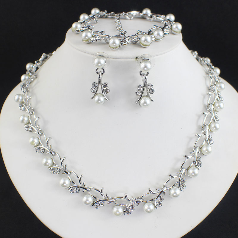 HTB1S8CFSFXXXXbhXFXXq6xXFXXXO Luxurious Pearl And Crystal Wedding Party Jewelry Set - 5 Colors