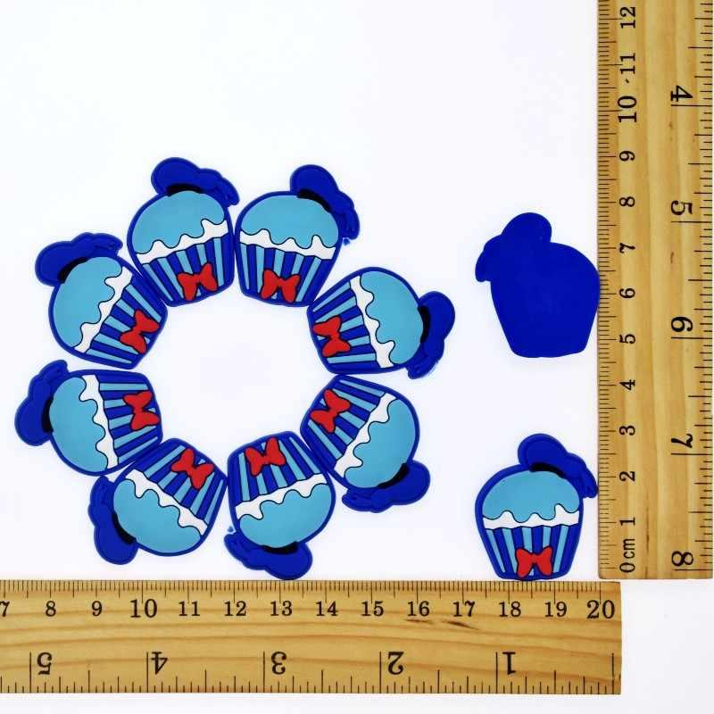 10 piezas de dibujos animados Mickey/Minnie plano PVC DIY decoración Fit pulseras/Clog/funda de teléfono/accesorio para el cabello encanto niños niñas artesanía regalo