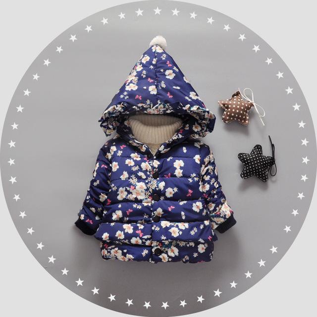Los Bebés Ropa de Otoño Chaqueta de Invierno del Cabrito de Dibujos Animados Flores de Mariposa Niños Encapuchados Warm Cotton Prendas de Abrigo Abrigo de Ropa Infantil