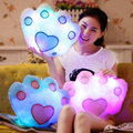 Venta caliente LED de Colores Luminosos de La Pata de Oso Almohada Luz LED Almohada Cojín Almohada de Felpa Suave Juguetes Para Niños Regalo de Cumpleaños Del Partido