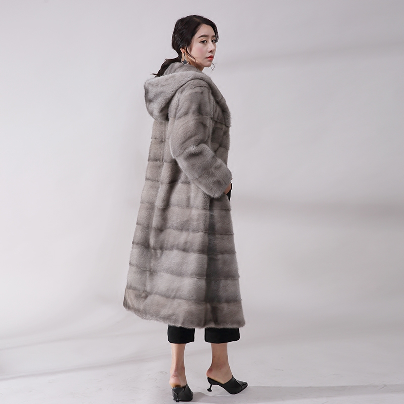 New Real mink fur coat female whole mink natural fur coat mink fur grass cap simple temperament was thin Slim