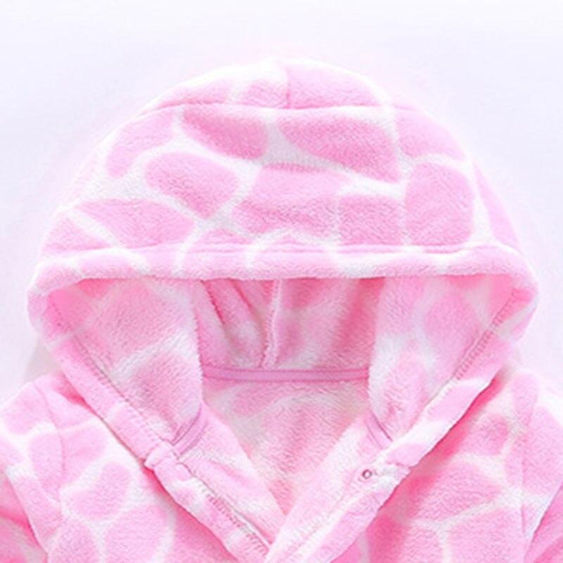 Flanellen kinderpyjama. De badjas met roze stenen blokpatroon. Roze - Kinderkleding - Foto 3