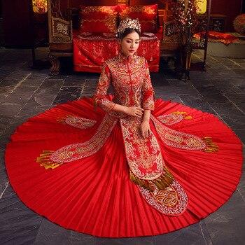 535803638 Bordado hecho a mano chino Qipao mujeres rojo de la boda vestido plisado  flor borla Cheongsam novia regalo etapa demuestra la ropa
